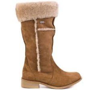 EMU Australia sheepskin boots size 6